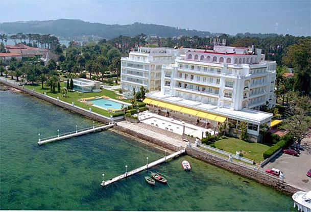 A toxa templo termal y centro del turismo de reuniones for Hotel luxury la toja