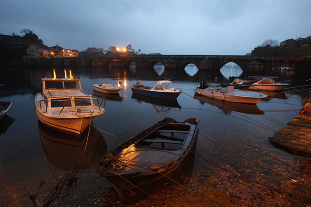 Barcas en Ponte Sampaio.