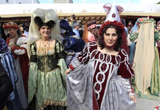 Damas medievales en la Arribada 2012.