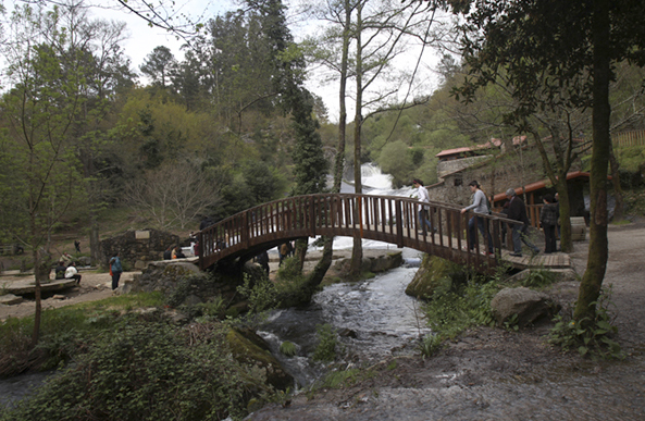 Área recreativa en el Parque de la Naturaleza del río Barosa.