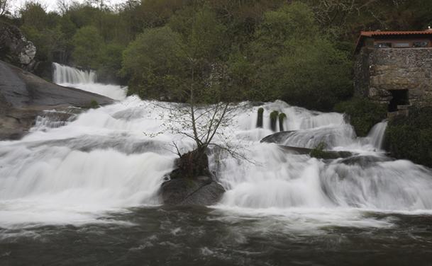 Cascada del río Barosa, en Barro (Pontevedra), el pasado 31 de marzo.
