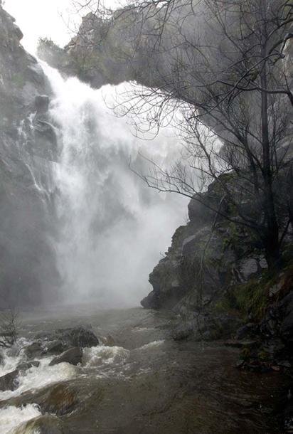 Cascada del río Toxa, en Silleda, en abril de 2010.
