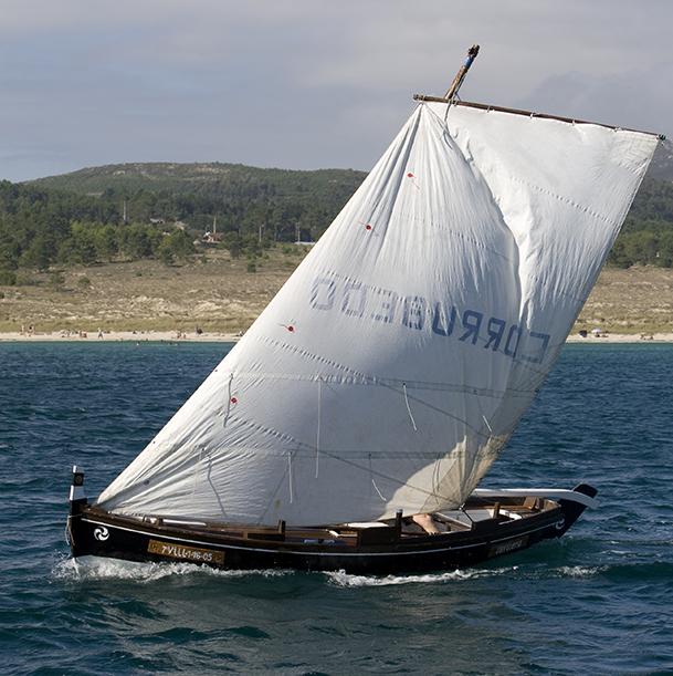 Embarcación tradicional en Corrubedo (A Coruña).