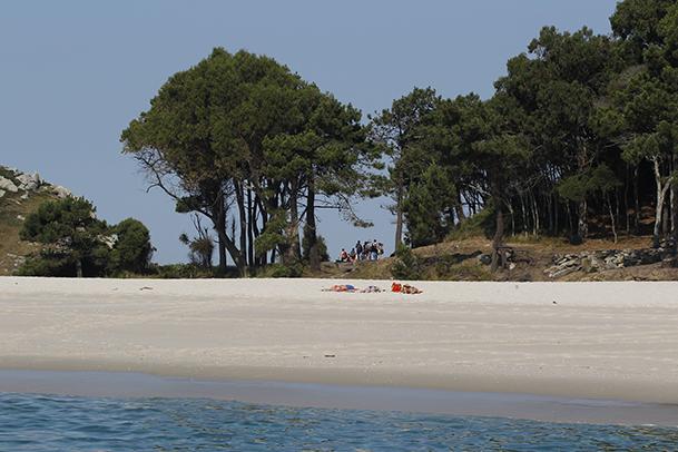 Playa de Rodas, donde recalan la mayoría de los visitantes de las Cíes.
