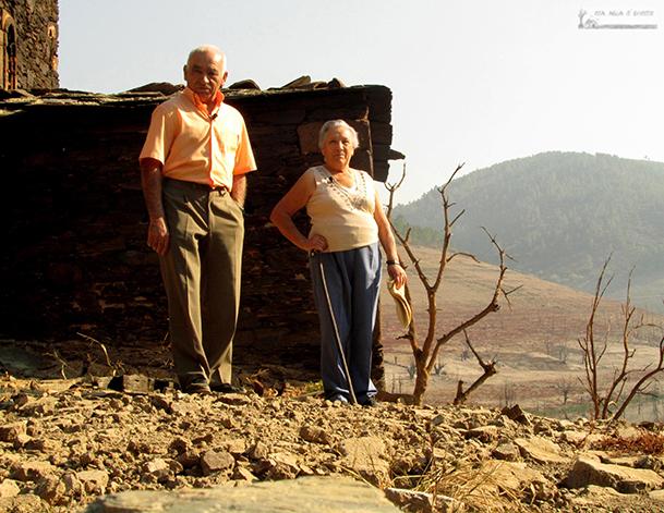 """Dos de los protagonistas del documental """"Asolagados"""". Fotografía cortesía de Coa auga ao pescozo."""