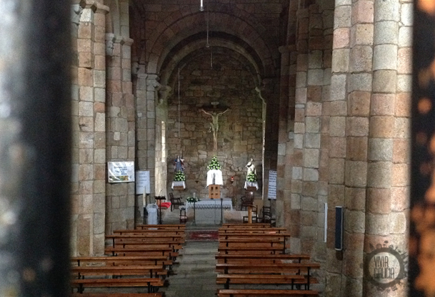 Interior de la iglesia de San Xulián de Moraime.