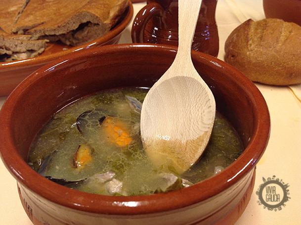 Potaje castreño (restaurante O Castillo).