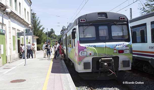 Tren turístico en la estación de Arbo (Pontevedra).