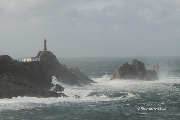Perfil de Cabo Vilán y su peligroso peñasco denominado Vilán de Fóra.