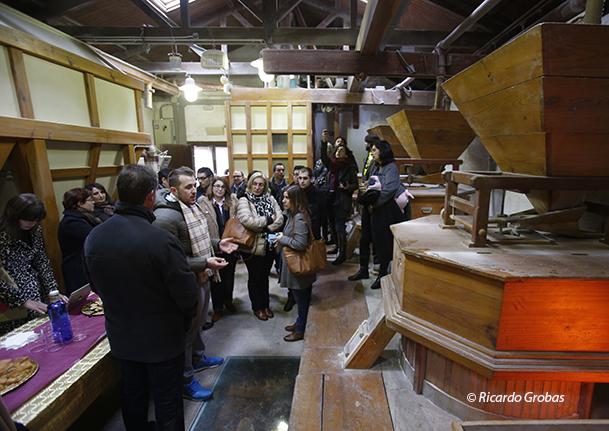 Visita al molino artesano de los hermanos Cuiña.