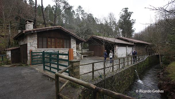 Exterior del Molino del Abuelo, también llamado Molino de Cuíña.