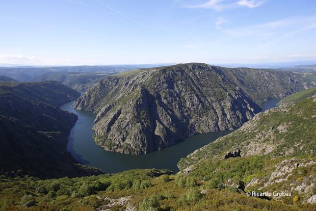 """Cañón del Sil. (Fotografía del libro """"Galicia. Todo un mundo"""")."""